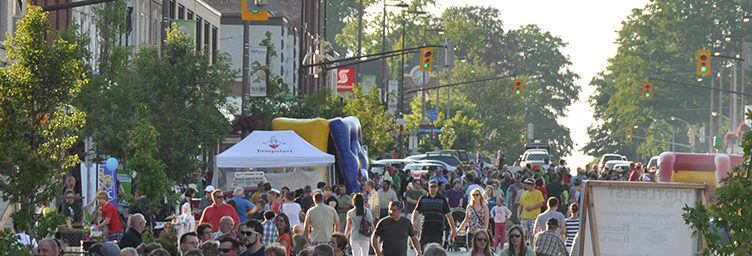 crowds gathered on Broadway during the Turtlefest Block Party